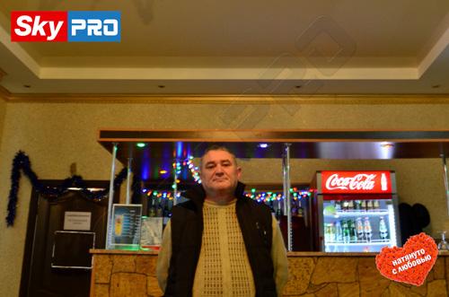 Гияс - счастливый обладатель натяжных потолков SkyPRO